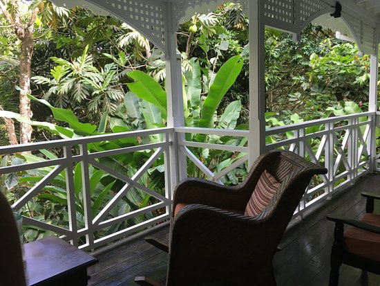 Fond Doux Plantation & Resort: Our front porch was so relaxing!