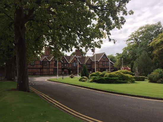 Macdonald Alveston Manor Hotel: IMG-20170825-WA0044_large.jpg