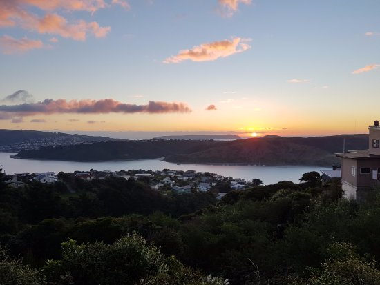 Порируа, Новая Зеландия: Porirua is Wellingtons best kept little secret. See the sights by electric or pedal bike with us