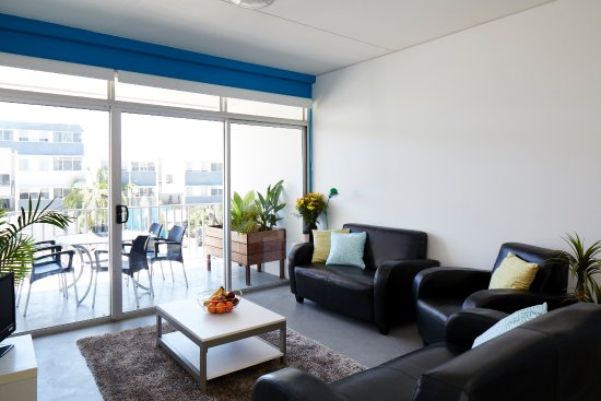 Griffith university village 2018 prices reviews - Griffith university gold coast swimming pool ...
