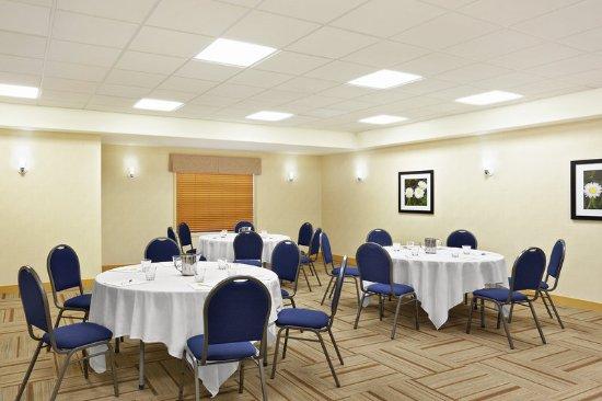 Four Points by Sheraton Saskatoon: Meeting Facility