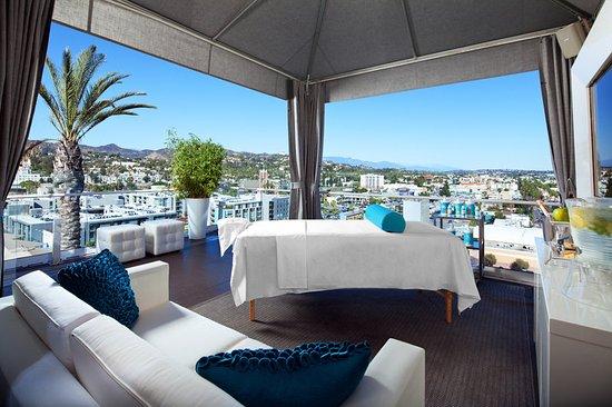 W Hollywood: bliss cabana