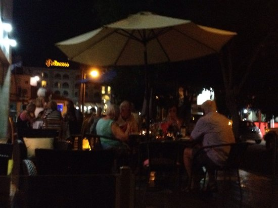 Dhekelia, Cyprus: Vibes Restaurant And Bar