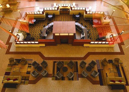 Atrium Hotel & Suites, DFW Airport South: Bar Lounge