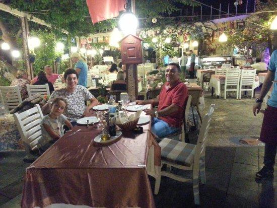 Smiley's Restaurant Photo