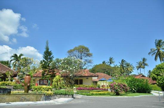 Kila Senggigi Beach Lombok : Parking Area