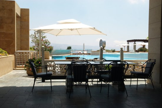 Grand Hills, a Luxury Collection Hotel & Spa: Pool Cafe