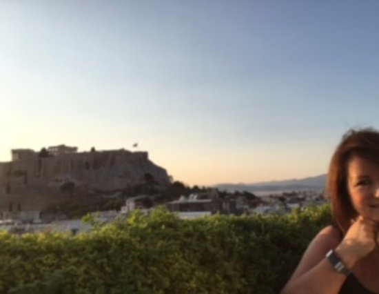The Athens Gate Hotel: View from the roof garden restaurant
