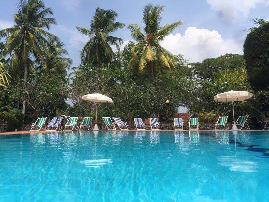 Tamarind Tree Hotel: original vintage pool