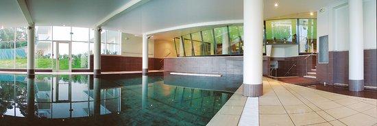 Alliance Pornic Thalassotherapie & Spa : Piscine de natation en eau de mer chauffée et salle de musculation