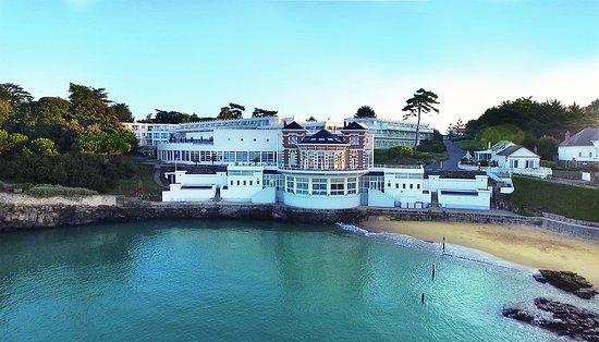 Alliance Pornic Thalassotherapie & Spa : Hôtel Alliance Pornic avec sa plage