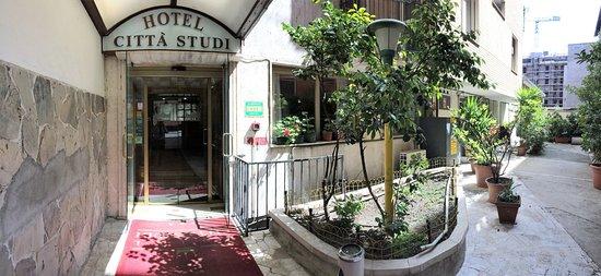 Hotel Citt Ef Bf Bd Studi Via Saldini  Milano