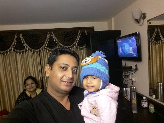 Hotel Sonar Bangla - Darjeeling: 20170414_194706_large.jpg