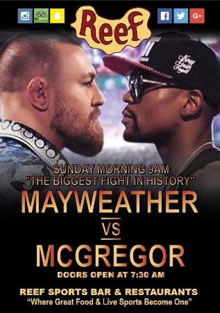 Reef Sports Bar & Restaurant: Mayweather vs McGregor
