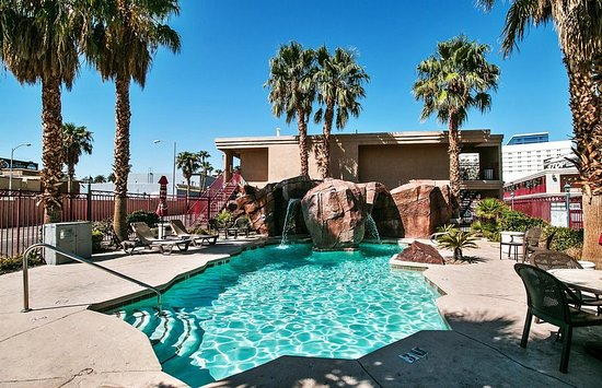 Red roof inn las vegas updated 2018 hotel reviews for Pool show las vegas 2018