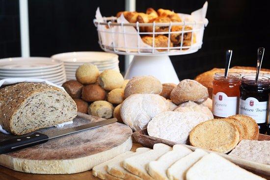Conscious Hotel Vondelpark: 100% organic breakfast buffet
