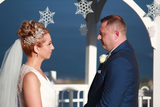 Bulli Tops, Australia: Our winter wedding vows!