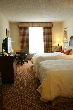 Hilton Garden Inn Harrisburg East: Guest Room