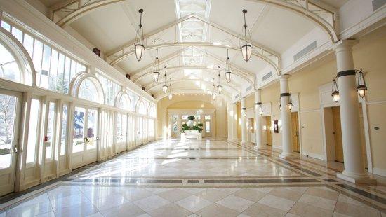 Hot Springs, VA: Grand Ballroom Foyer