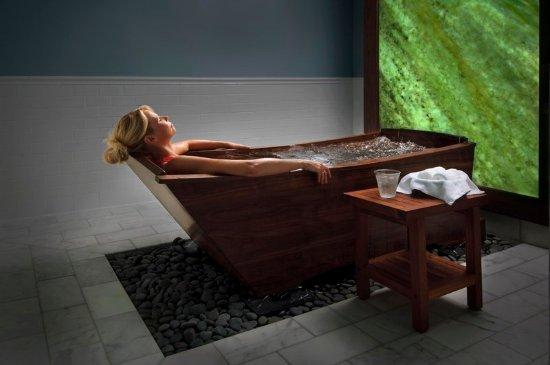 Hot Springs, VA: Walnut Tub