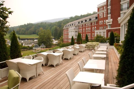Hot Springs, Wirginia: The Deck at Jefferson's Restaurant & Bar