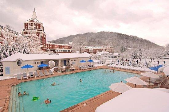 Hot Springs, VA: Heated Allegheny Springs Family Pool