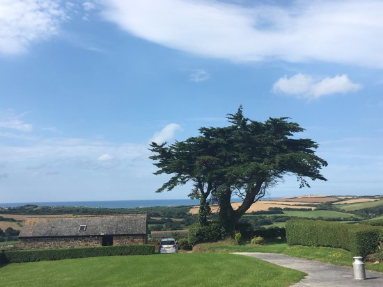 Marhamchurch, UK: The sea view from Buttermilk Barn at Wooldown