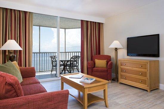 DiamondHead Beach Resort: Suite Living