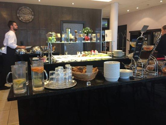 Clarion Collection Hotel Aurora: Colazione