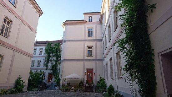 Unitas Hotel: 人に教えたくないホテルです。 雰囲気、スタッフのサービス、朝食のクオリティーの高さ。文句なしに今回の旅で一番のホテルでした。