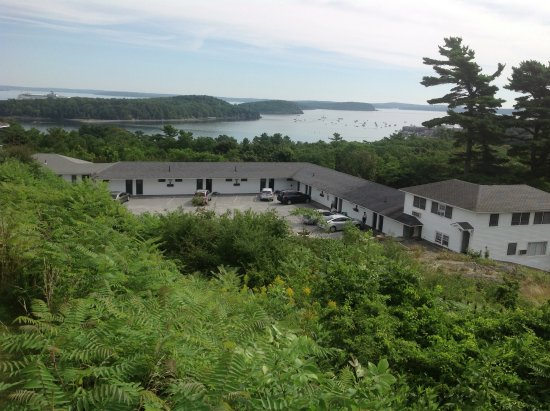 Wonder View Inn: View from restaurant patio