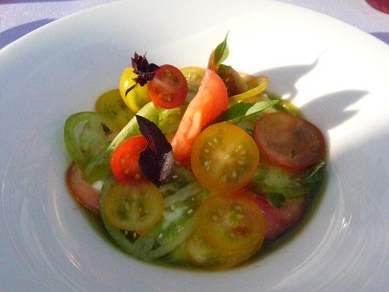 Norten-Hardenberg, Germany: Tomate – Burrata Basilikum / Mas Tarrés Olivenöl