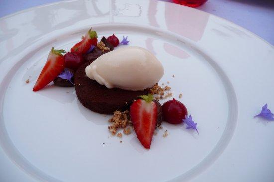Norten-Hardenberg, Germany: Erdbeere Schokolade / Kokos