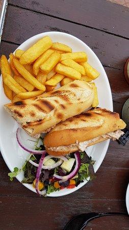 Volunteer Arms: Toasted tuna & mayo sandwich
