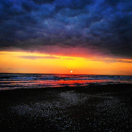 Bandar-e Anzali, Ιράν: #Sunrise in #Iranian Caspian Coastline