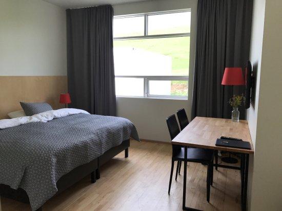 Volcano Hotel: Spacious bedroom