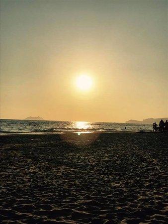Hotel Club Torre Capovento: la spiaggia al tramonto