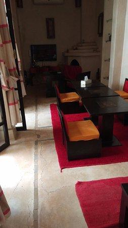 Zona del salon comedor con Tv donde tambien se sirven comidas - Bild ...
