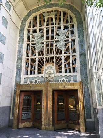 Vancouver Marriott Pinnacle Downtown Hotel: Historically significant Marine Building.... just blocks away.....