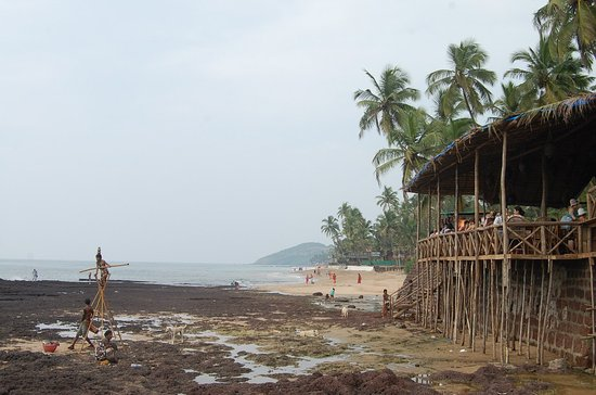 Anjuna, อินเดีย: пляж в Анджуне