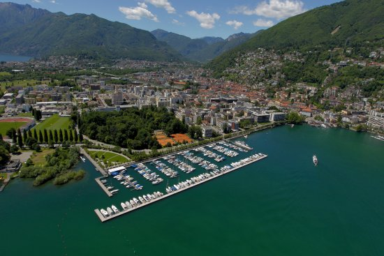 Locarno, İsviçre: The Harbour and his surroundings