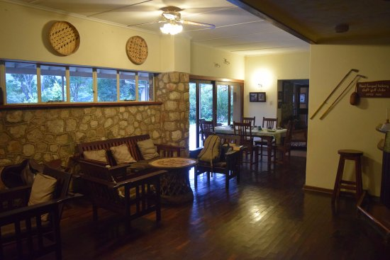Aberfoyle lodge updated 2018 reviews nyanga zimbabwe for Dining room suites zimbabwe