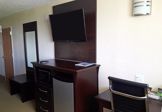 La Marque, TX: Room Amenities