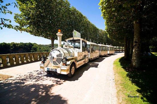 Le Petit Train Touristique de Fougeres