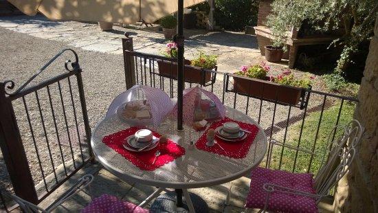 Dolci Colline: Colazione nel terrazzino privato
