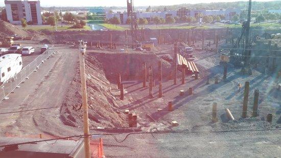 L'Ancienne-Lorette, Kanada: Window view of construction