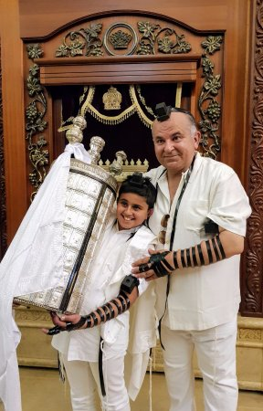 Almog, Israel: le pere et le fils le jour de la bar mitsva...la transmission