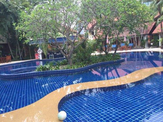 Hyton Leelavadee Phuket: image-0-02-06-b6161a21bb8533d123decc9217ae7525c3dd58f4f62e56b98db1240d148b0614-V_large.jpg