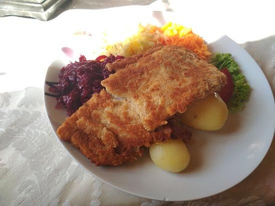Prochowice, Polonia: Serdecznie polecamy, jedzenie b.dobre. Wszystko świeże, pierogi domowe.  Przyjemne i klimatyczne