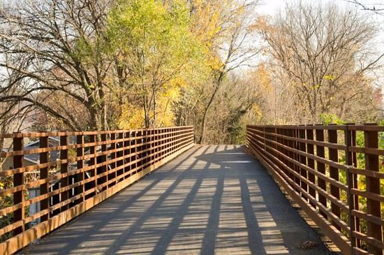 Lakeland, MN: Fall along Brown's Creek Trail